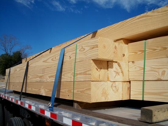 """Mi a különbség az """"építő minőségű"""" és """"asztalos minőségű"""" faanyagaink/fűrészáruink között?"""