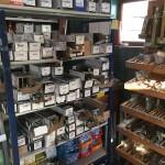 Csavarok, szögek, faösszekötők, rögzítőelemek