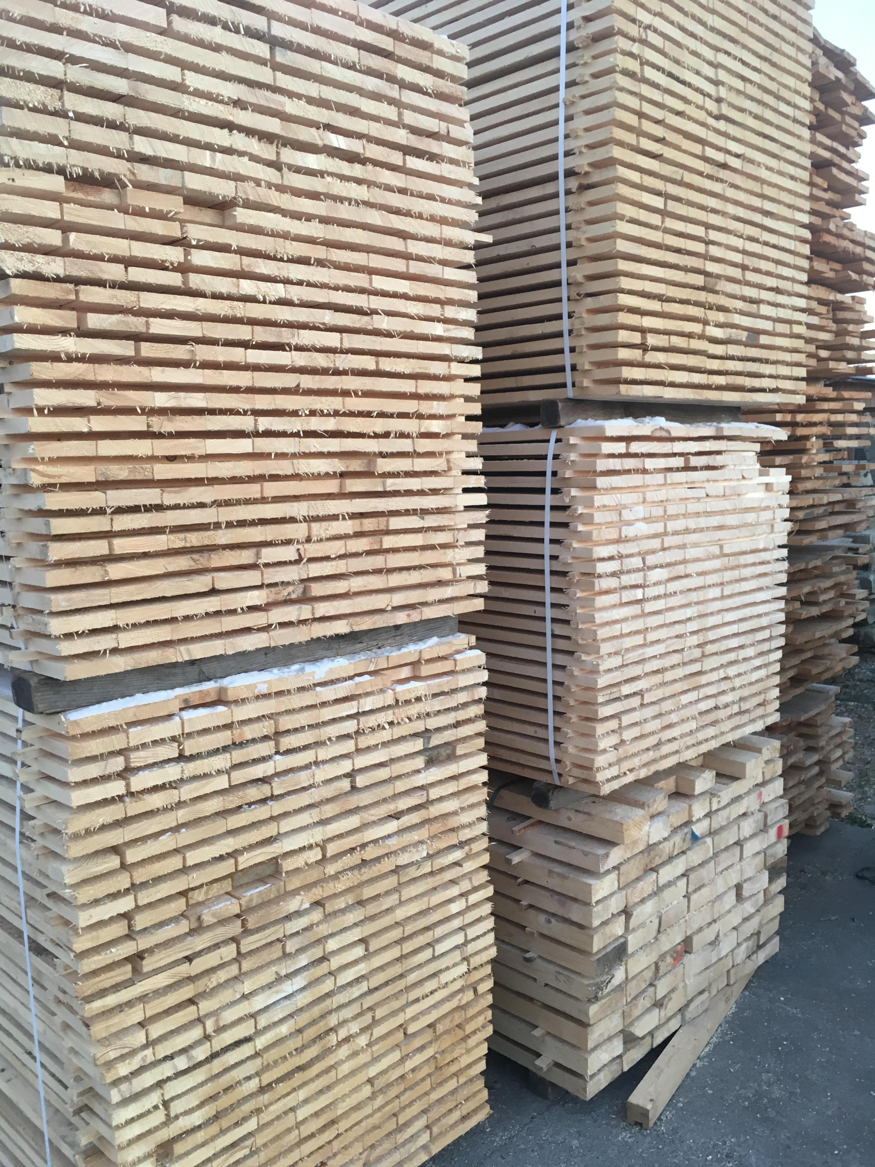 Deszka, palló fenyő fűrészáru - Árvai Faipar és építőanyag kereskedelem