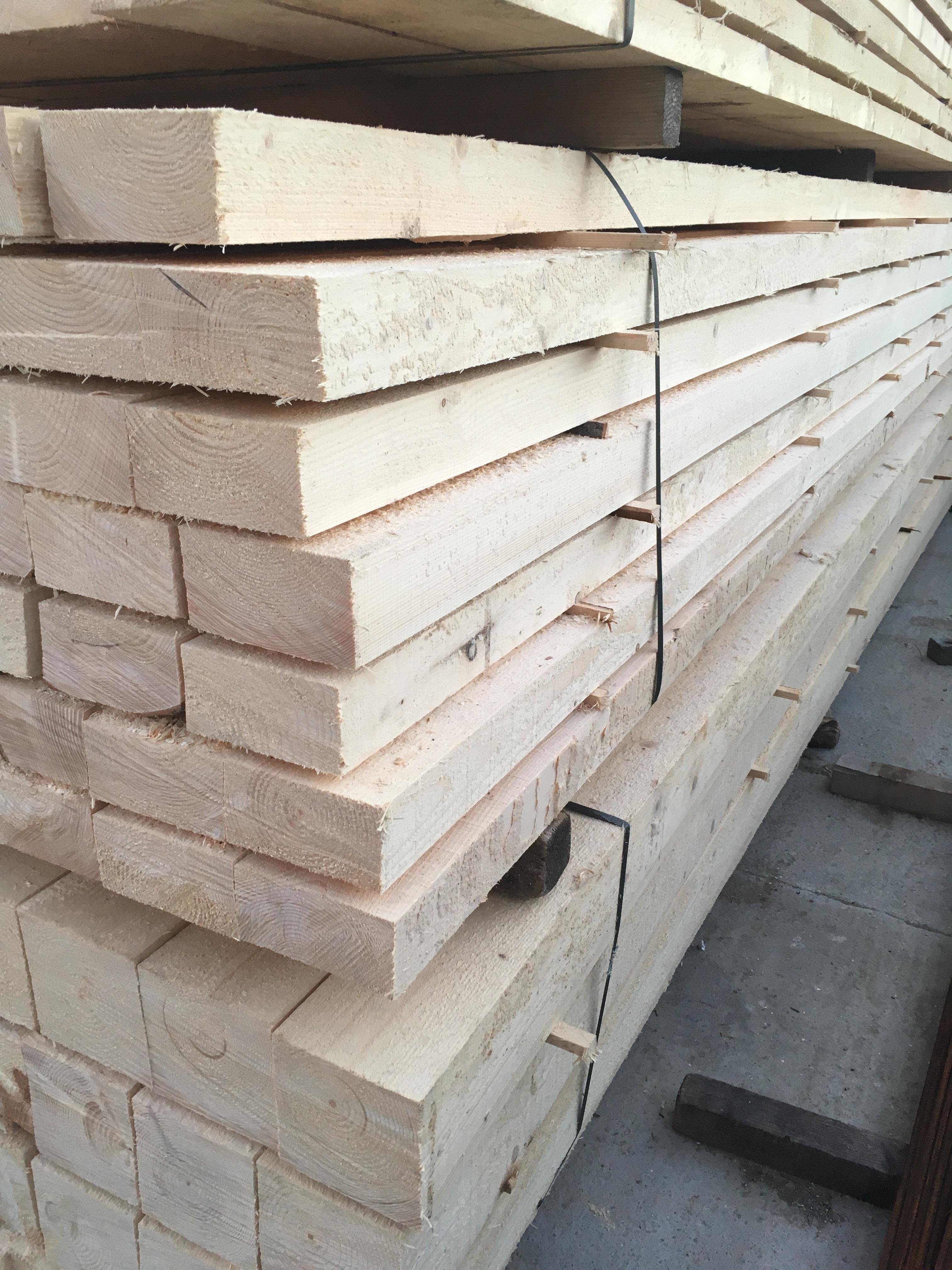 Fenyő fűrészáru, faanyagjaink minőségi raktári termékek